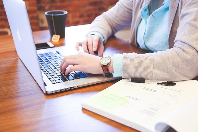 המדריך לפתיחת עסק עצמאי לכותב המתחיל